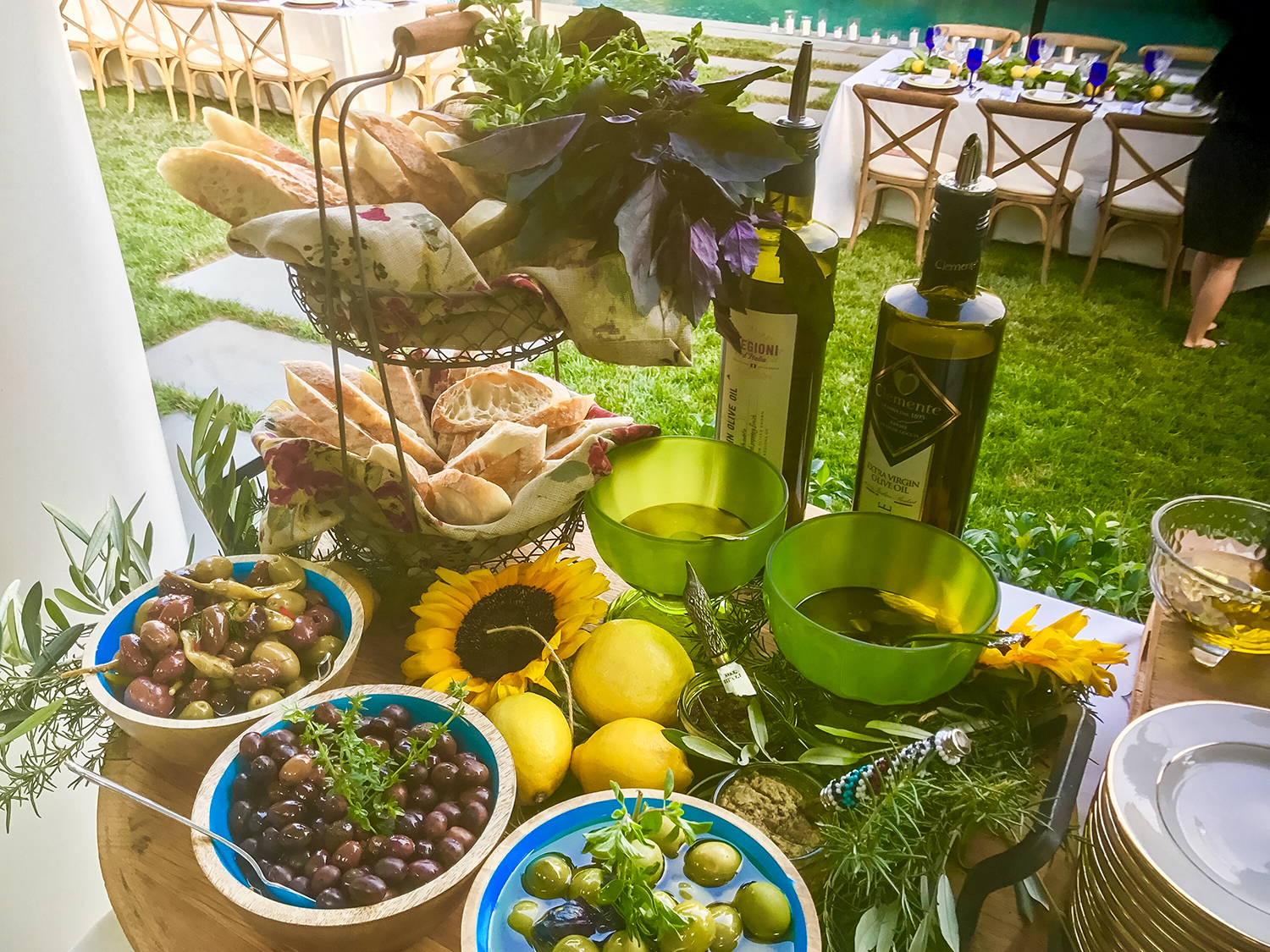 Olive Oil - Appetizers - Outdoor Catering